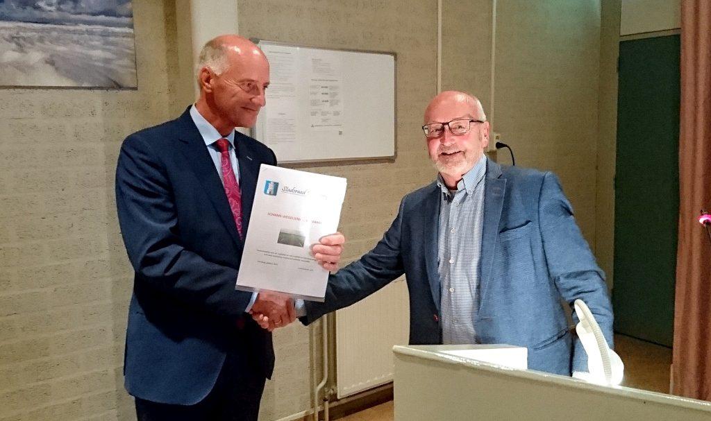 20161013-stadsraad-domburg-overhandiging-rapportage-schams-wegelienk